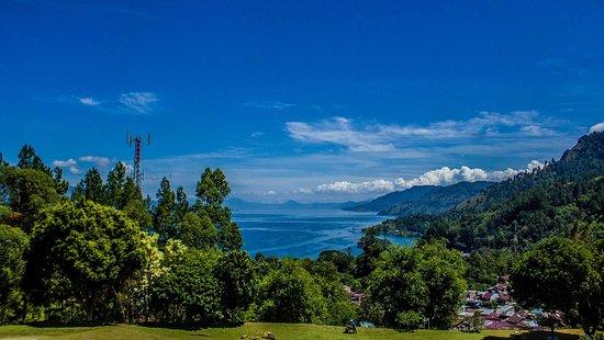 Medan, Indonesia: North Sumatera - Toba Lake from Parapat