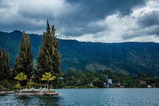 Medan, Indonesia: North Sumatera - Toba Lake from Simanindo