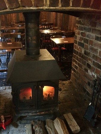 Sittingbourne, UK: Lovely log burner