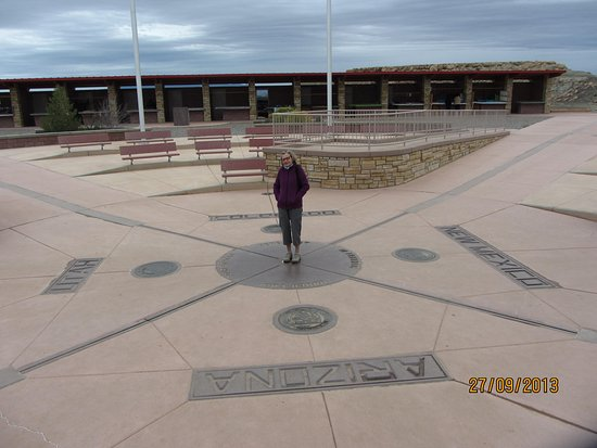 Teec Nos Pos, AZ: 4 States in the middle of nowhere
