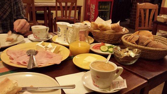 Hotel U Zvonu : 20161202_073106_large.jpg