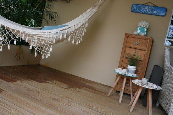 بامبو بالي بوناير: lekker buiten op de veranda in de hangmat na genieten van een mooie duik