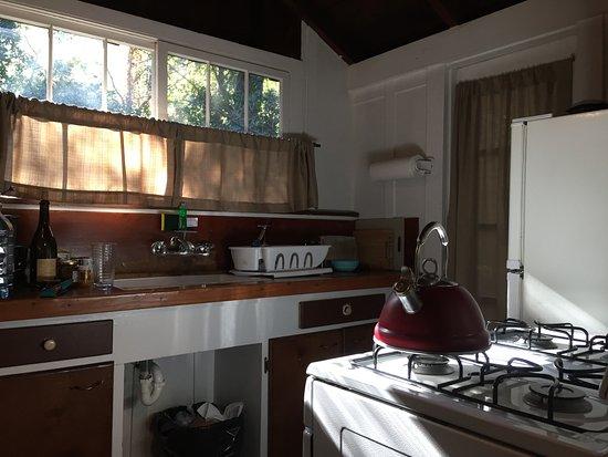 Ripplewood Resort: Cabin #9 Kitchen