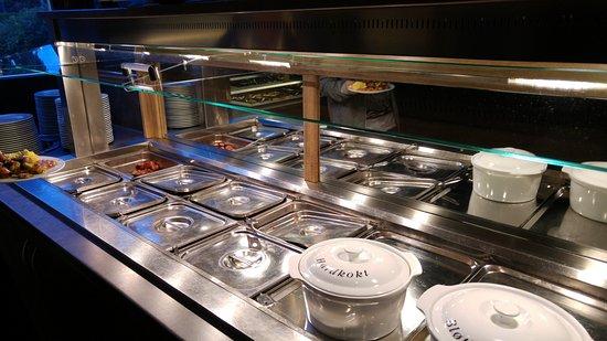 Flamsbrygga Hotell: 早餐: 熱食區(炒蛋, 腸仔, 焗豆, 雜菜)