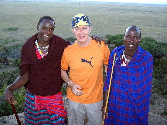 Región de Arusha, Tanzania: Pause avec des guerriers Massai