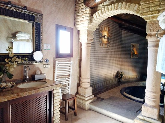 Gibralgalia, Spanien: Parte del cuarto baño de la Suite Jazmin <3