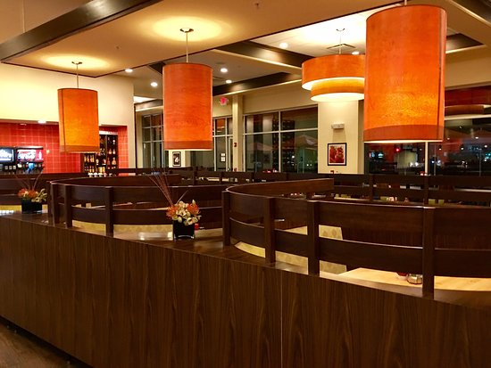 Vernon Hills, IL: Dining area