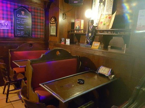 Payerne, Suiza: Charlie's pub
