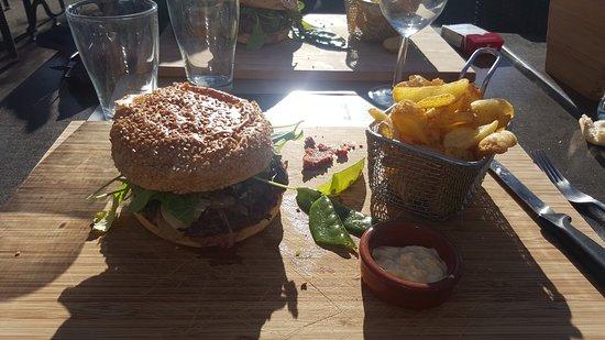 Beaucaire, Francia: Un delice au gambetta son burger je le recommande