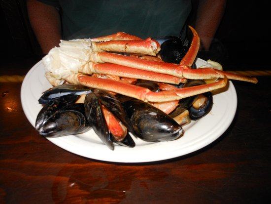 St. Michaels, MD: mussels and crab legs