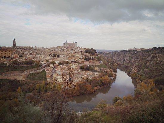 Alcazar - Biblioteca de Castilla-La Mancha: Вид на Толедо, Alcázar de Toledo – средневековый замок-крепость