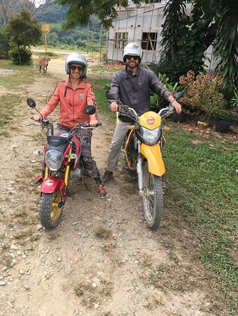 Uncle Tom's Trails - Private Day Tours: Newly pro motorbikers! (and a cow)