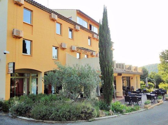 Hotel Le Logis du Chateau: Côté terrasse