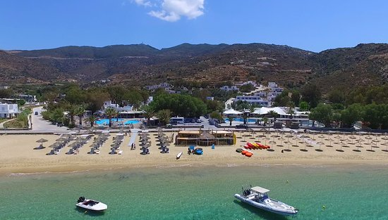 Milopotas, Grecia: Meltemi's watersports centre on Mylopotas beach