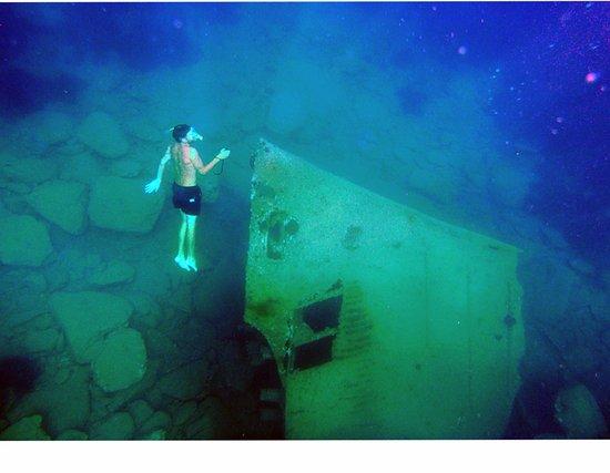 Milopotas, Yunani: Shipwreck