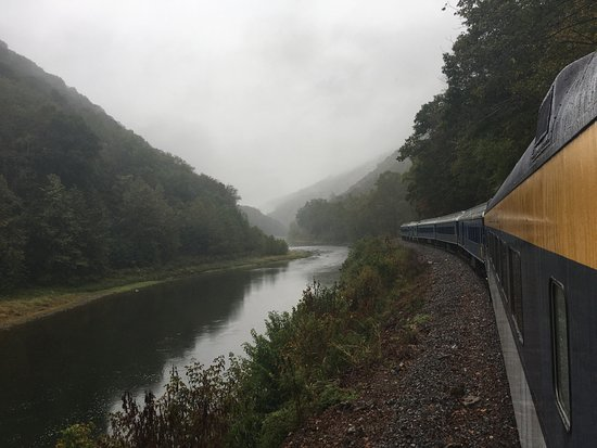 Potomac Eagle Scenic Railroad: The side of the train.