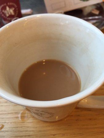 Street, UK: Dirty cups!!
