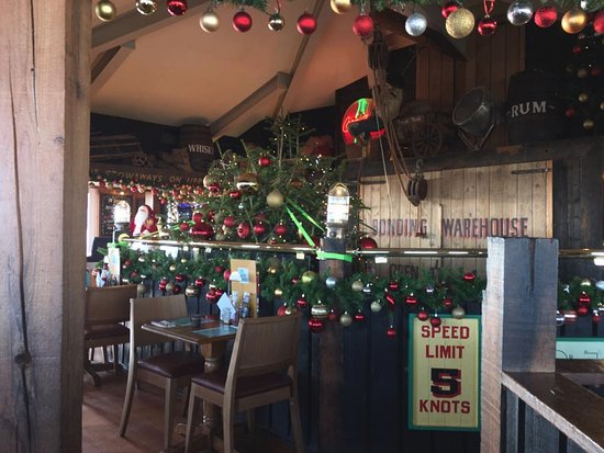 The Boathouse: upstairs decorations