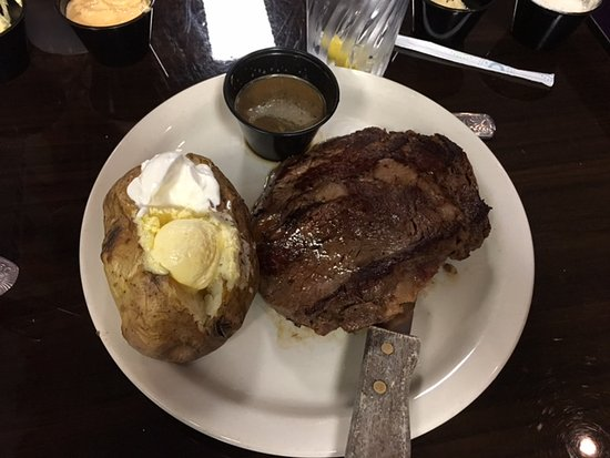 Nitro, Virginia Occidental: Prime Rib at The Grill at First Turn