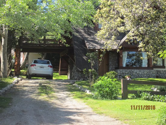 Cabañas El Viejo Marquéz: Frente de la cabaña