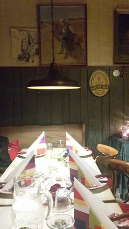 Brande, Dinamarca: A simple old-scool hotel with tasty home - made food at restaurant Uhre Kro