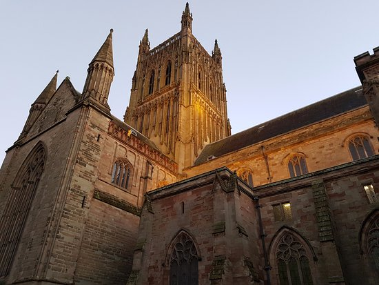 a side view of Worcester Cathedral