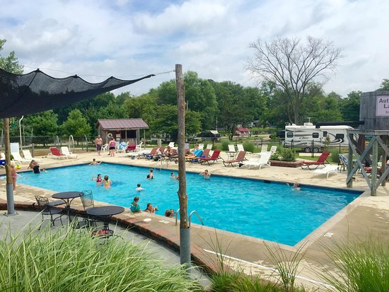 Sunbury, OH: Heated pool & splash pad open Memorial Day-Labor Day