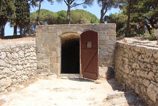 Filerimos, Yunanistan: церковь Св. Георгия