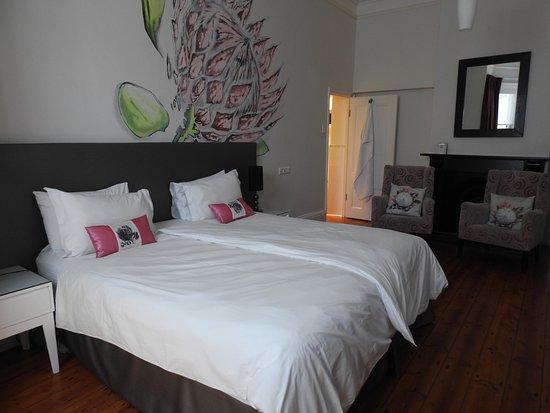 Nine Flowers Guest House: Prachtige kamer op het gelijkvloers