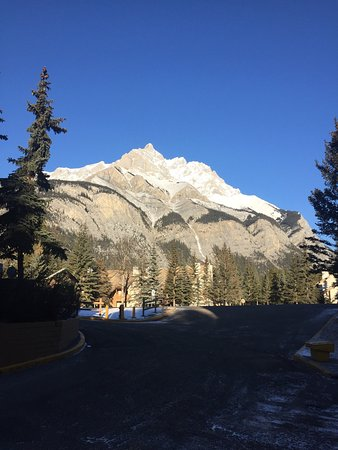Picture of banff rocky mountain for Rocky mountain lodges