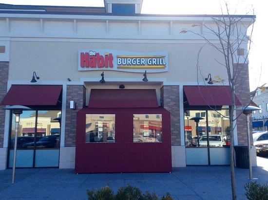 Fair Lawn, NJ: The Habit Burger Grill