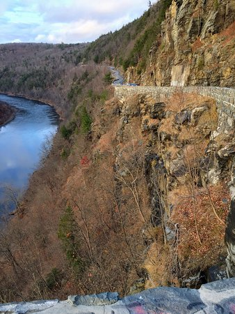 Port Jervis, NY: Hawk's Nest Highway