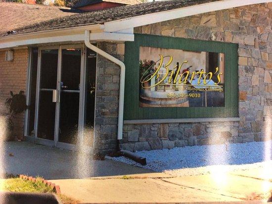 Putnam, Коннектикут: Entrance to Bilarto's