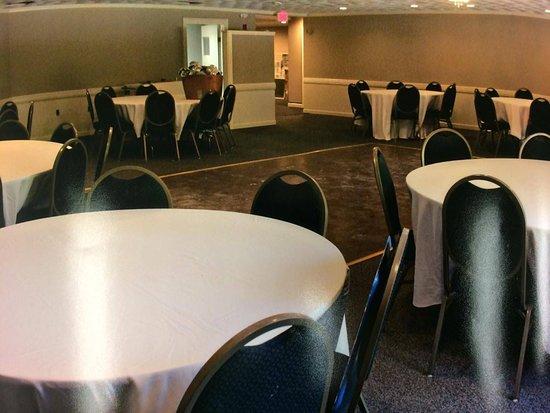 Putnam, CT : Function Room