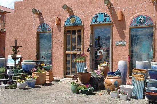 Always Azul Pottery: Another picture of their store