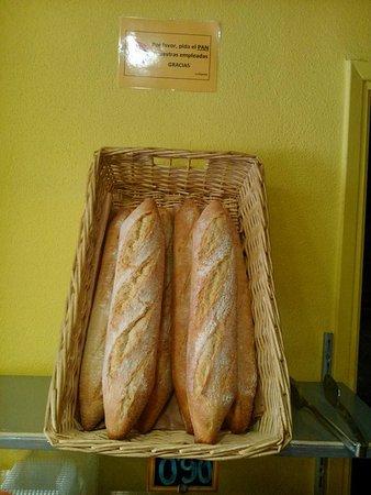 Cocentaina, Spania: Disponemos de pan todos los dias