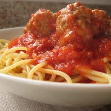 Cambridge, Ohio: Spaghetti and meatballs with homemade meat sauce 