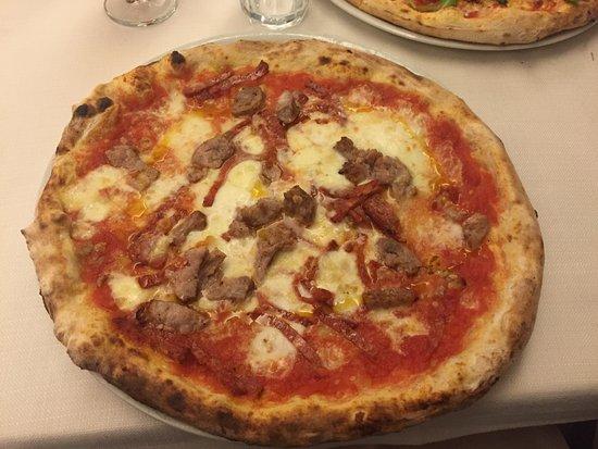Trezzano sul Naviglio, Italien: Pizza