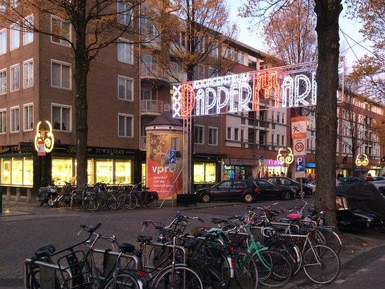 Vlakbij de Dappermarkt - Picture of Roopram Roti ...