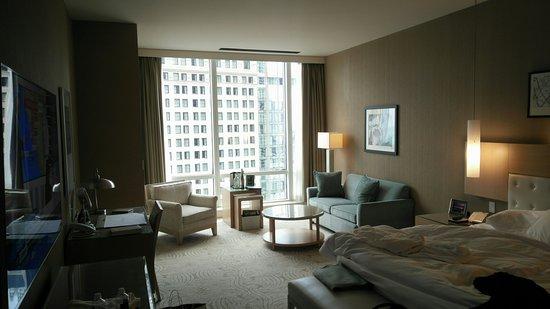 Trump International Hotel & Tower Chicago Image