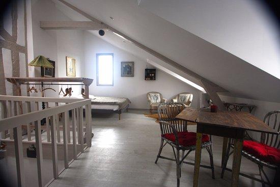 Le Clos Vorin: Studio Ste Catherine sur la place Ste Catherine. 26m2