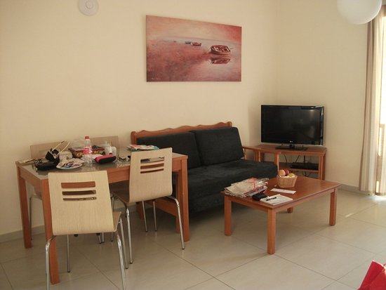 Kefalos Beach Tourist Village: Wohnraum