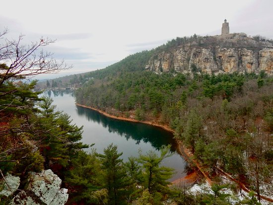Mohonk Mountain House: view of the lake from Eagle Cliff hiking trail.