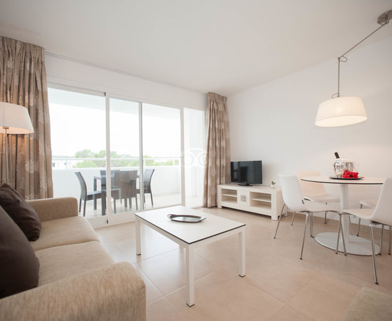 The Deluxe Apartment at the Torrent Bay by Intercorp Hotel Group