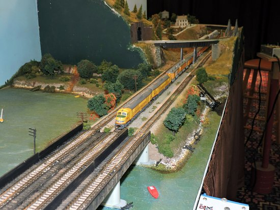 Collinsville, IL: Model Train at The Great American Train Show