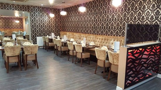 Northwich Tandoori : Main Sitting Area