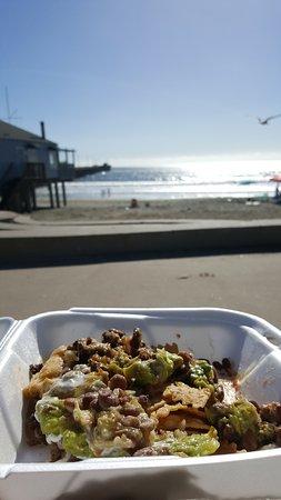 Avila Beach, Californië: Nachos by the beach!