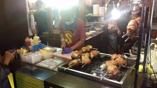 Ruifeng Night Market: pork knuckle