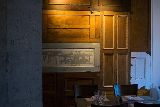 Drummondville, Canadá: Notre mur de portes.