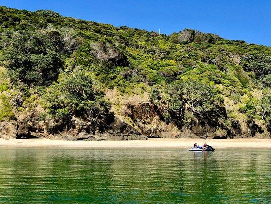 Paihia, Nueva Zelanda: Landing at OKE Beach.